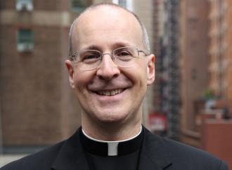 Padre Martin: il Catechismo spinge al suicidio i giovani gay