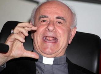 Asso Paglia-tutto. E san Giovanni Paolo II va in soffitta