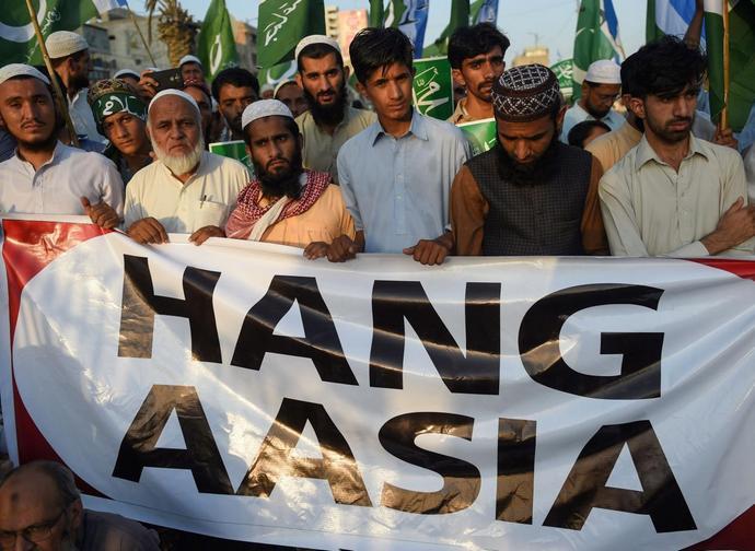 Gli islamisti vogliono Asia Bibi morta
