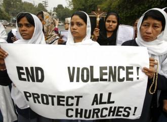 Nel Punjab pakistano gli islamici abbattono una chiesa