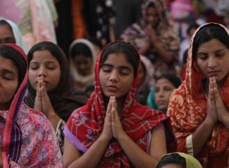 Libri di scuola in Pakistan che insegnano il disprezzo per le minoranze religiose