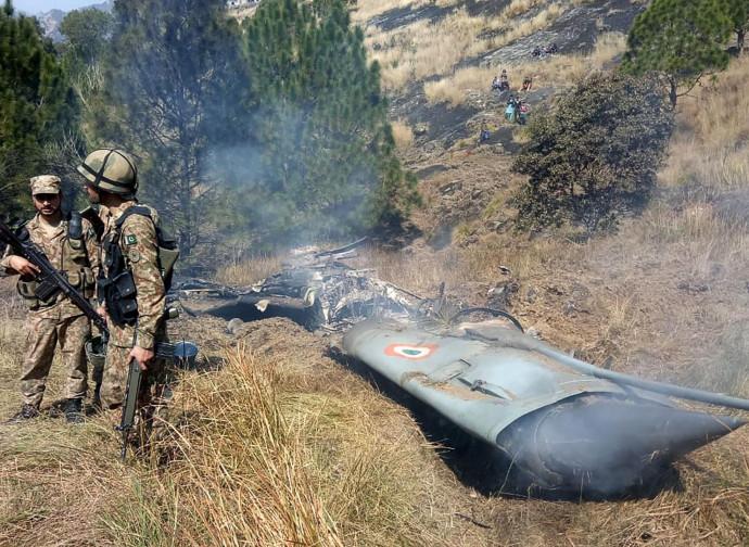 Il jet indiano abbattuto dai pakistani