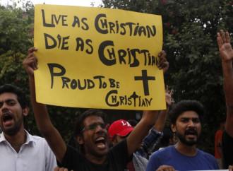 Diventa virale in Pakistan il video di un ragazzo cristiano che sotto minaccia rifiuta di abiurare