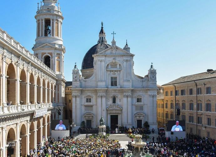 Un'immagine  della visita del Papa a Loreto