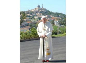 I dubia su AL: il Papa emerito segue il dibattito