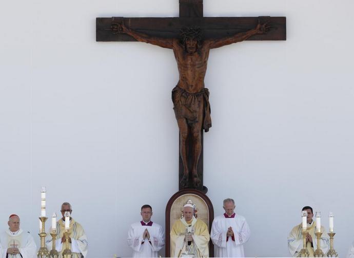 Un momento della Messa celebrata da papa Francesco a Budapest