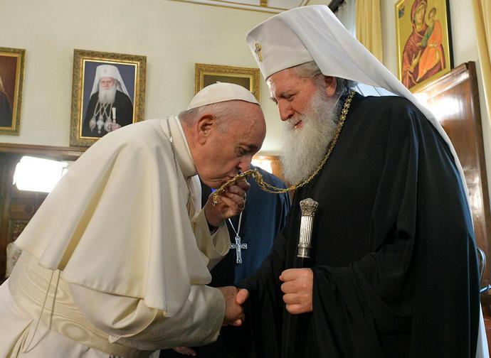 Papa Francesco in Bulgaria incontra il patriarca Neofit