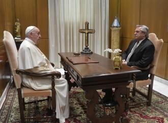 Papa Francesco e il presidente Fernandez