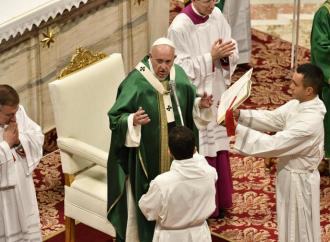 "Francesco striglia i cattolici ""farisei"" e pensa a nuove riforme"