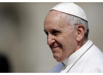 Il Papa che «non può più uscire» e confessare