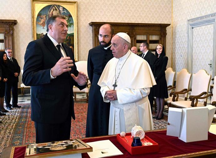 Dodik ricevuto dal Papa