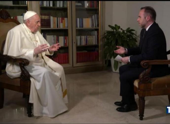 Il papa intervistato al TG5