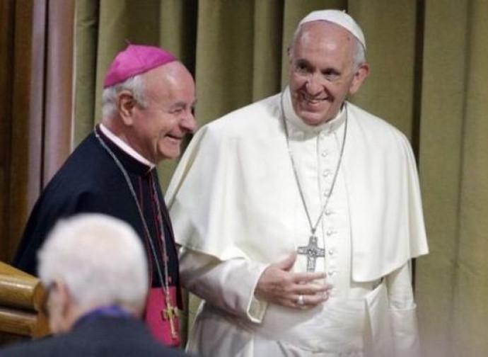Papa Francesco con mons. Vincenzo Paglia