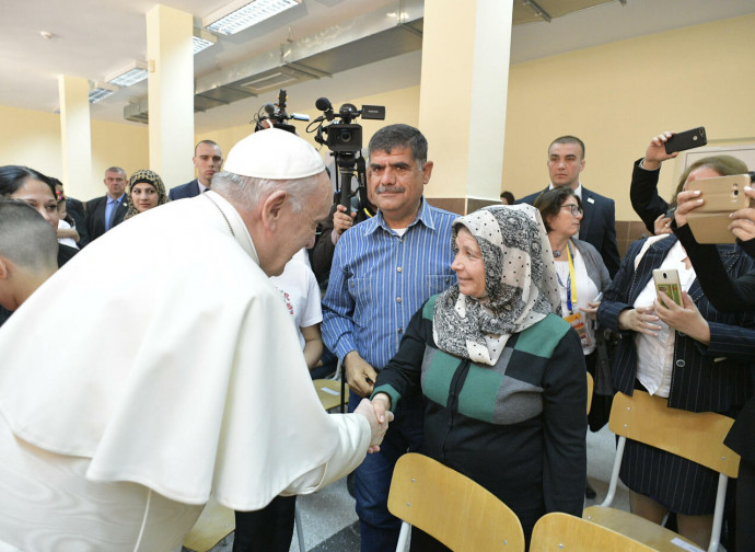 Papa Francesco nel campo profughi di Vrazhdebna