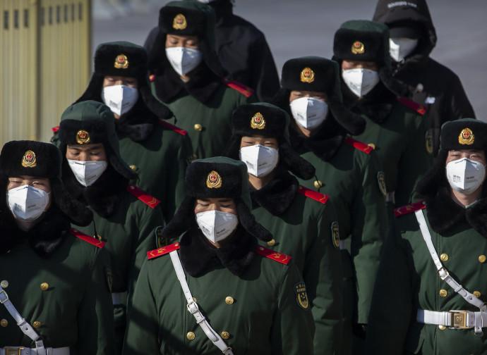 Pechino, parata ai tempi dell'epidemia