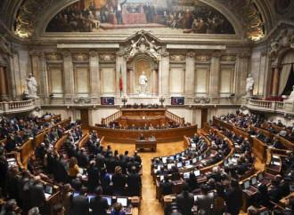 Il governo portoghese vuole l'eutanasia. Il popolo resiste