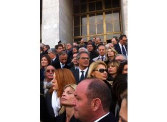 Berlusconi: se tocca i fili dei magistrati ...muore