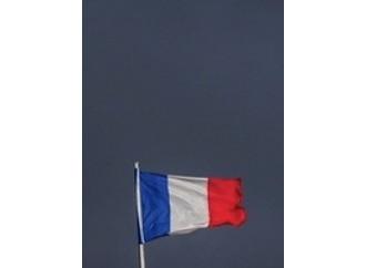 Parigi, prove quotidiane di sottomissione all'islam