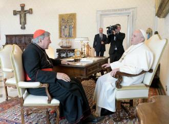 """""""Grazie della testimonianza"""". Il Papa riabbraccia Pell"""