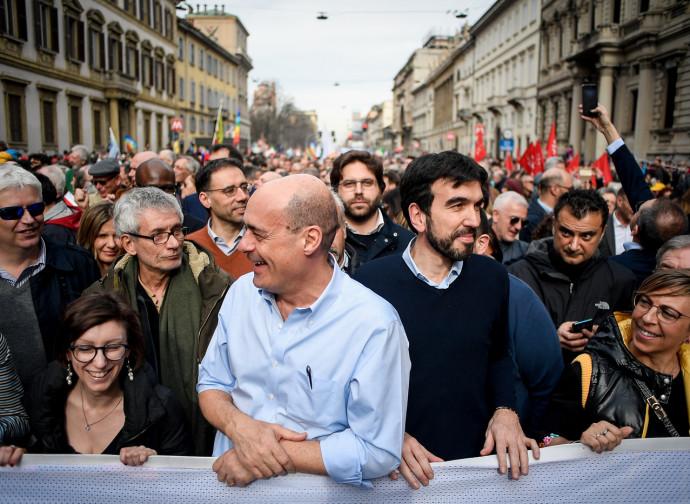 Zingaretti e Martina alla manifestazione People di Milano