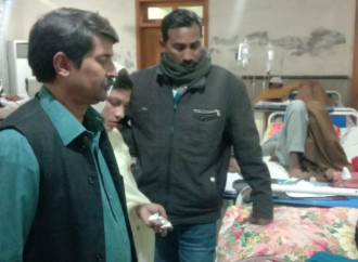 Resta grave il giovane cristiano ferito in Pakistan da un gruppo di musulmani