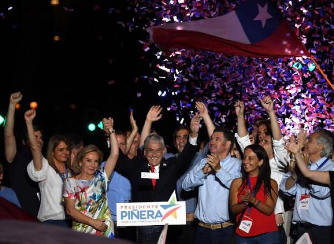 Sebastian Piñera celebra la vittoria