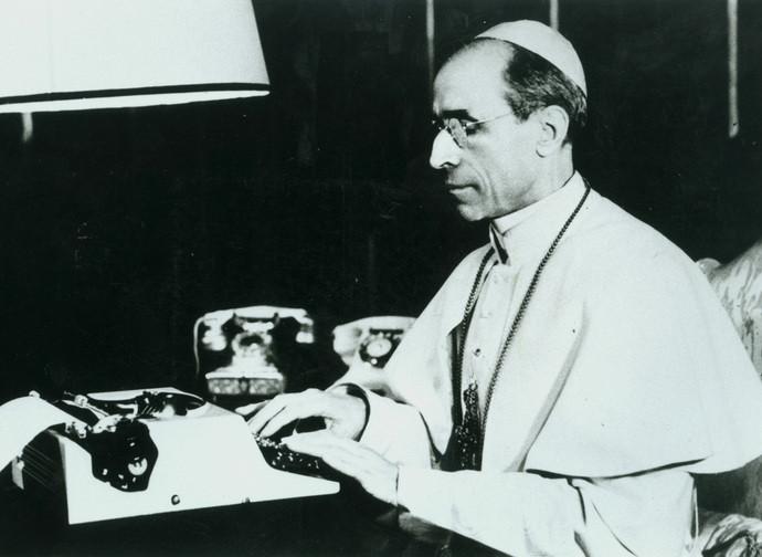 Pio XII al lavoro