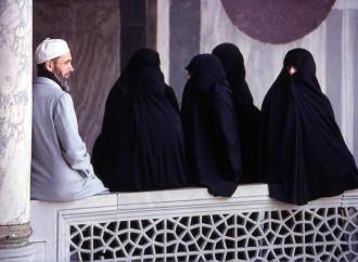 La poligamia islamica esce dalla clandestinità
