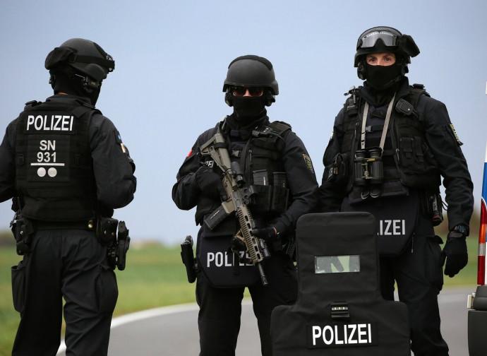 Posto di blocco di polizia dopo l'attacco a Halle