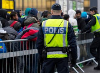 Polizia svedese e immigrati
