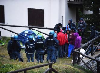 Quel vizietto francese di portare i clandestini in Italia