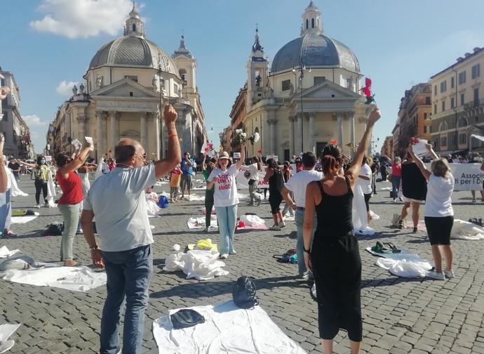 Un momento della manifestazione a Roma dei docenti precari