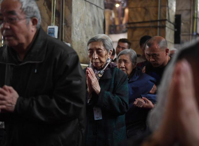 Cina, cattolici in preghiera