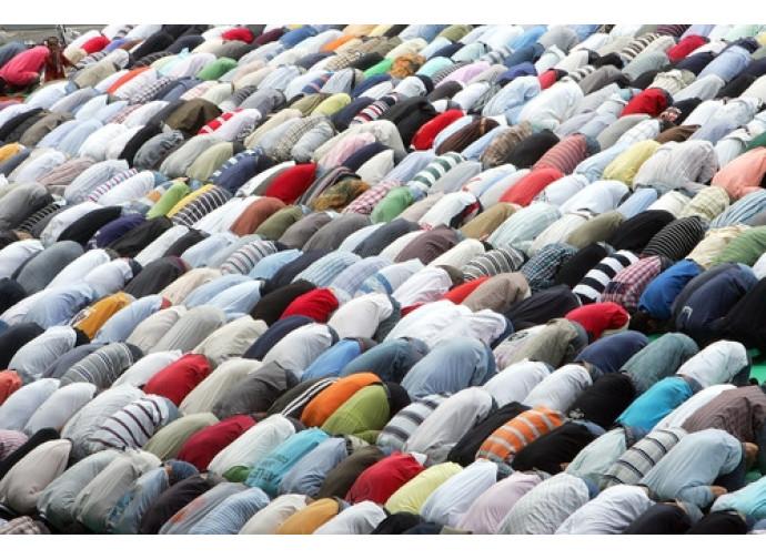 Torino, musulmani in preghiera