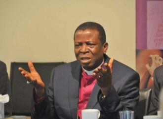 """L'ex primate della Nigeria: «le """"nozze"""" gay adulterano la Bibbia»"""