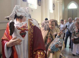 In Cile dei vandali hanno profanato altre due chiese