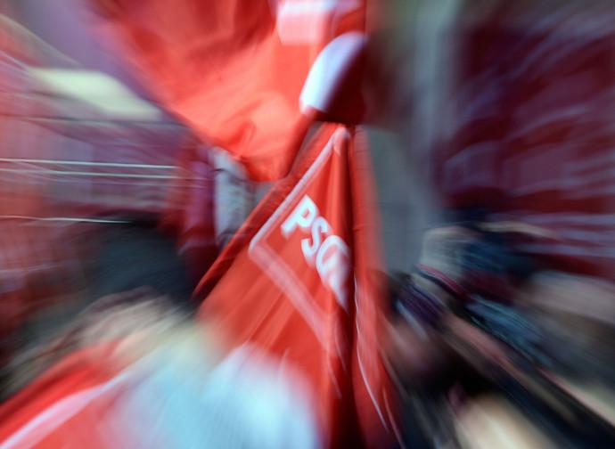 La bandiera del Partito Socialista Operaio