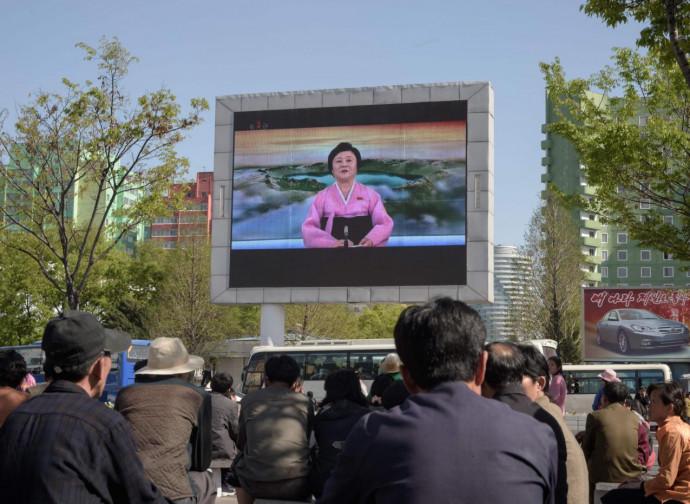 Pyongyang, la gente apprende la notizia dalla Tv di Stato