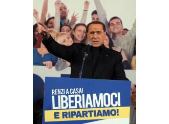 Silvio fischiato,  Salvini troneggia  e Renzi ringrazia