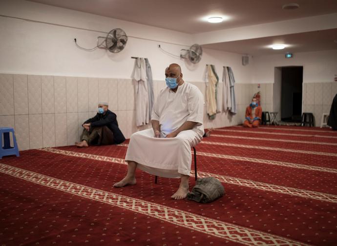 Preghiera in moschea a Marsiglia