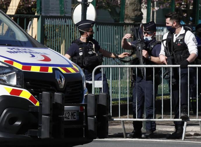 Rambouillet, posto di blocco dopo l'attentato