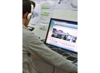 Italiani pigri con Internet, vanno forte col telefonino