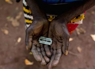 Mutilazioni genitali, destino delle bambine africane