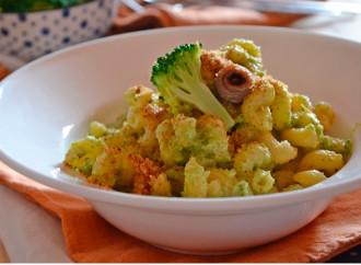 Pasta con broccoli e briciole di pane