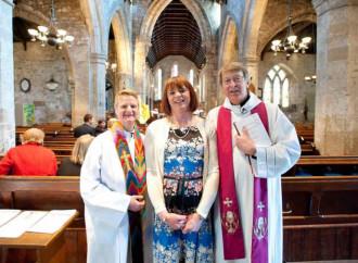 Un nuovo battesimo per i trans, le follie anglicane
