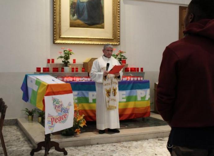 Arcobaleno sull'altare della parrocchia Regina Pacis, Monza