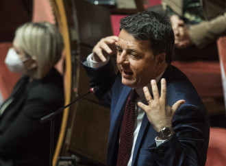 Renzi si contraddice e salva Bonafede (e il governo)