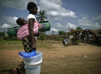 Migliaia di persone in fuga dai combattimenti tra due tribù in Congo