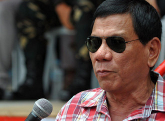 "Filippine: fumata arcobaleno per le ""nozze"" gay"
