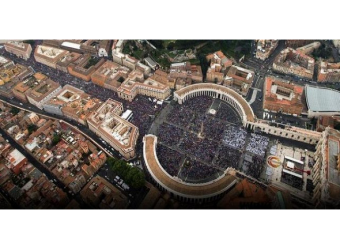 Una veduta aerea di San Pietro e dintorni